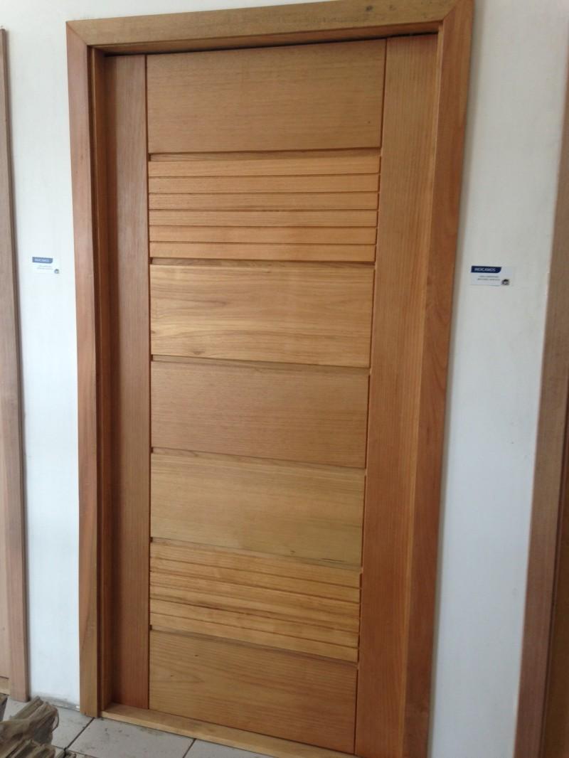 Porta pivotante maci a horizontal com detalhe tauari for Porta or